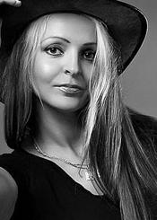 Ksenia, Odessa / 1975-08-02 / 178 / 62